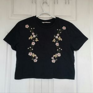 Cropped floral embroidered tee